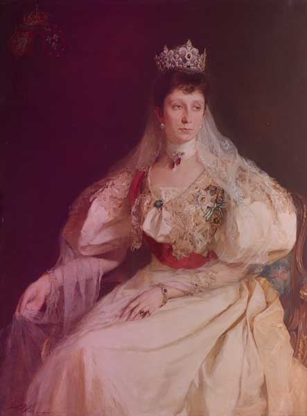Marie Louise of Bulgaria's tiara in a de Laszlo portrait. Marie Louise is wearing the tiara with alace veil, a red order across her chest, and a white dress with leg-of-mutton sleeves.